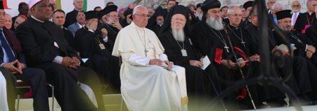 Papa Francesco ad Assisi per l'Incontro di preghiera per la pace